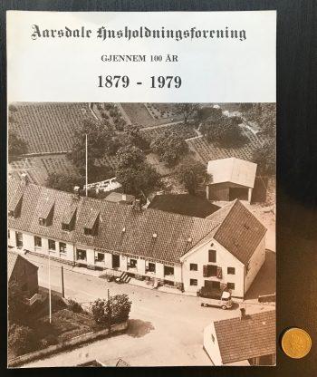 Aarsdale husholdningsforening gjennem 100 år